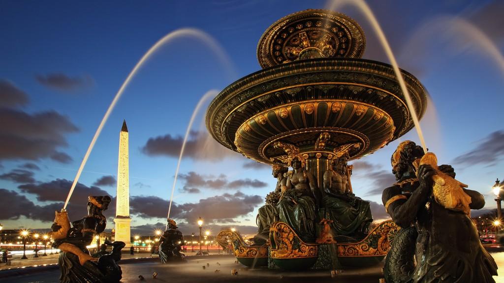 2CVParisTour : Découvrir Paris en 2CV!