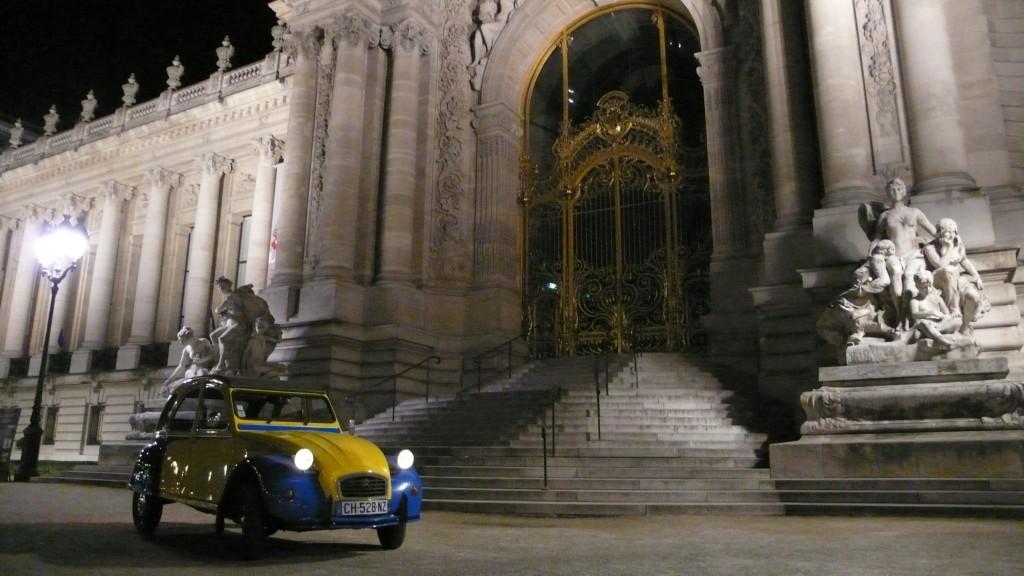2CVParisTour : Visitez Paris en 2CV! Le Petit Palais de nuit
